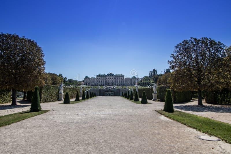Giardino del palazzo del belvedere a Vienna, Austria immagini stock libere da diritti