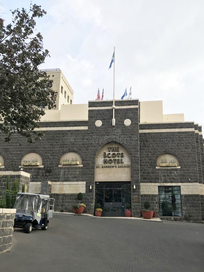Giardino dell'hotel e costruzione scozzesi, Tiberiade, Israele fotografie stock libere da diritti