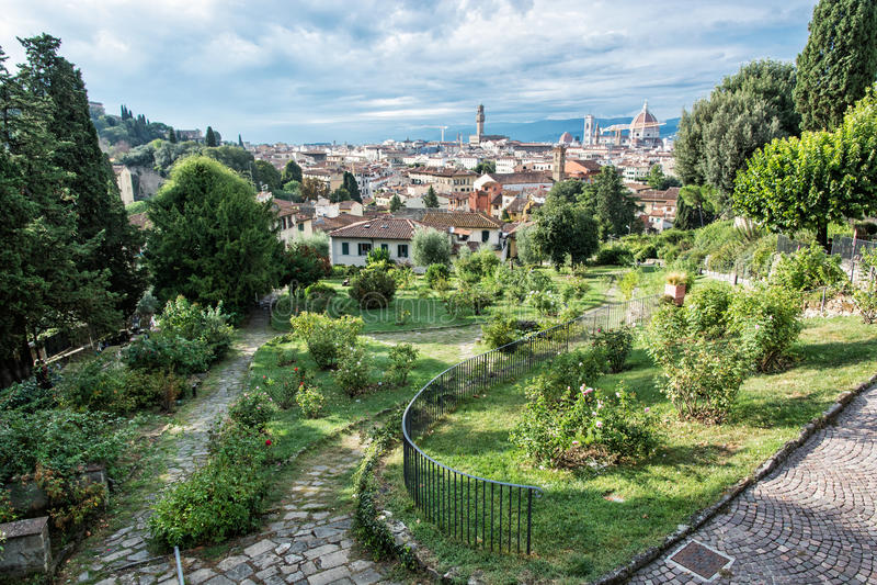 从Giardino delle罗斯的看法对市佛罗伦萨,托斯卡纳, 库存照片