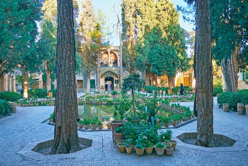 In giardino dello scià Nematollah Vali Shrine, Mahan, Iran immagine stock