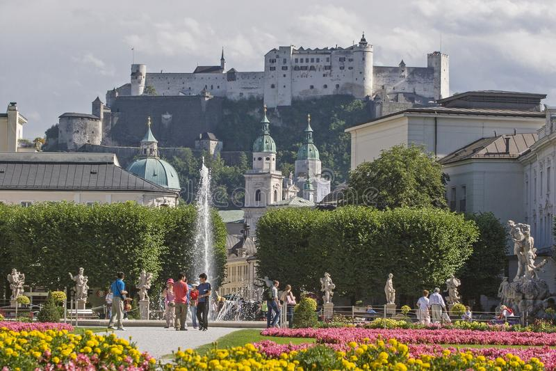 Giardino di Mirabell a Salisburgo in Austria fotografie stock
