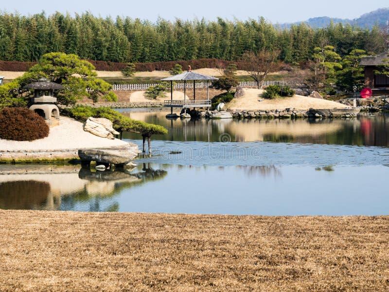 Giardino di Okayama Korakuen in molla in anticipo immagine stock libera da diritti