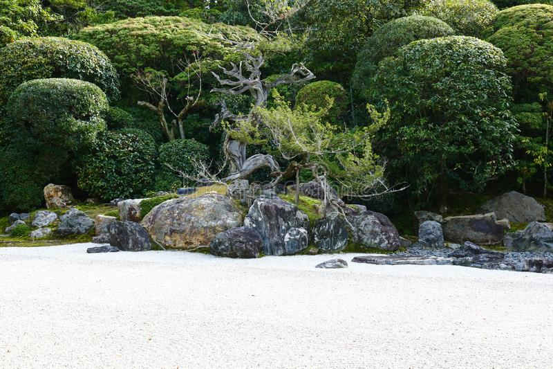 Giardino di rocce giapponese dentro Konchi-in fotografie stock