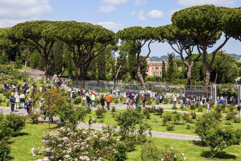 Appartamenti affacciati nel verde a roma giardino di faonte