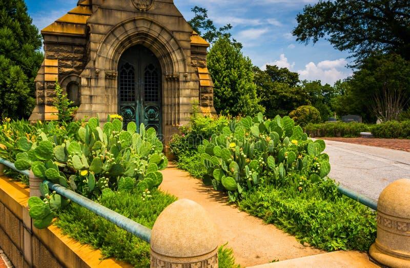Giardino e mausoleo al cimitero di Oakland a Atlanta, Georgia fotografie stock libere da diritti
