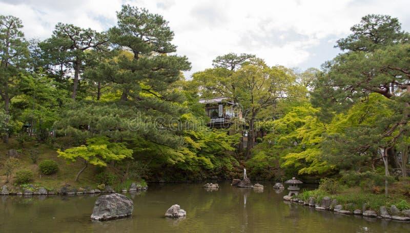 Download Giardino E Stagno Giapponesi Immagine Stock - Immagine di japan, serene: 56878301