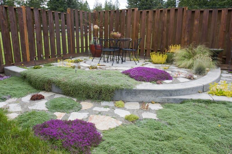 Giardino esterno del patio fotografie stock