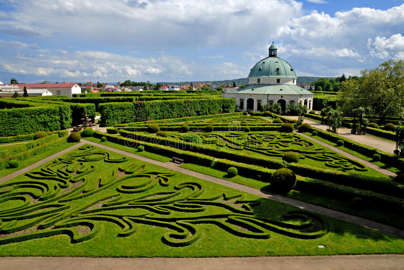Giardino floreale, Kromeriz fotografia stock libera da diritti