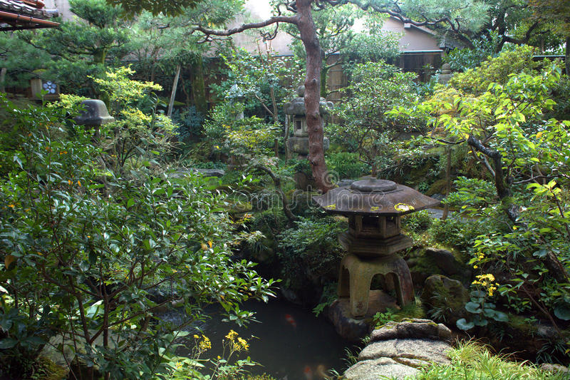 Giardino giapponese, Kanazawa, Giappone fotografie stock
