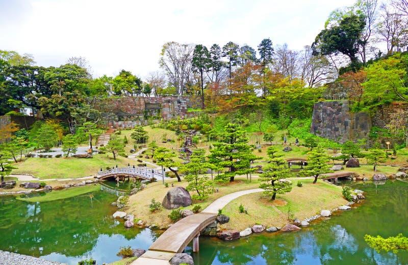 Giardino giapponese tradizionale al castello di Kanazawa a Kanazawa, Giappone fotografia stock libera da diritti