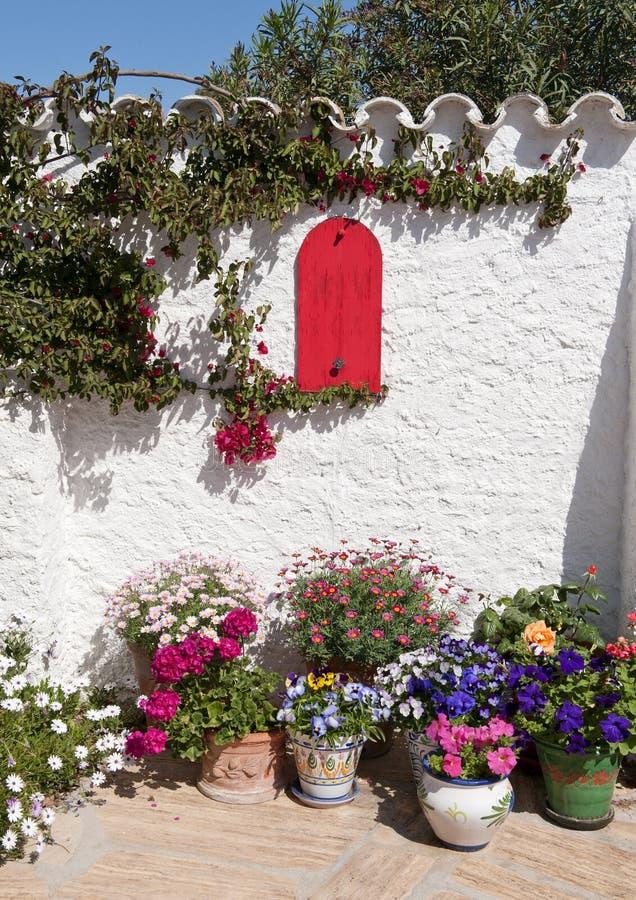 Giardino mediterraneo spagnolo fotografia stock immagine - Giardino mediterraneo ...
