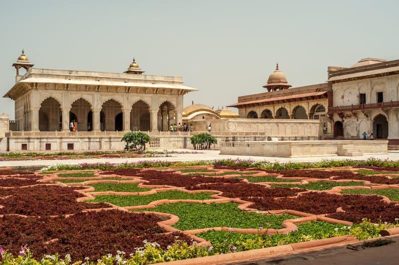 Giardino nella fortificazione di Agra fotografia stock