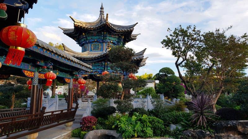 Giardino nella residenza nobile cinese tipica della famiglia dello Zhu, Jianshui, il Yunnan, Cina della famiglia di Zhu fotografia stock libera da diritti