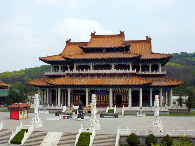 Giardino o Jade Buddha Temple di Jade Buddha Palace Jade Buddha Provincia di Anshan, Liaoning, Cina, Asia ventesimo Apri fotografia stock libera da diritti