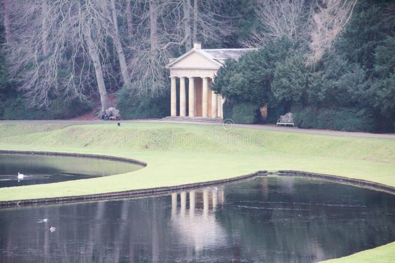 Giardino reale dell'acqua all'abbazia delle fontane in Inghilterra Regno Unito immagine stock libera da diritti