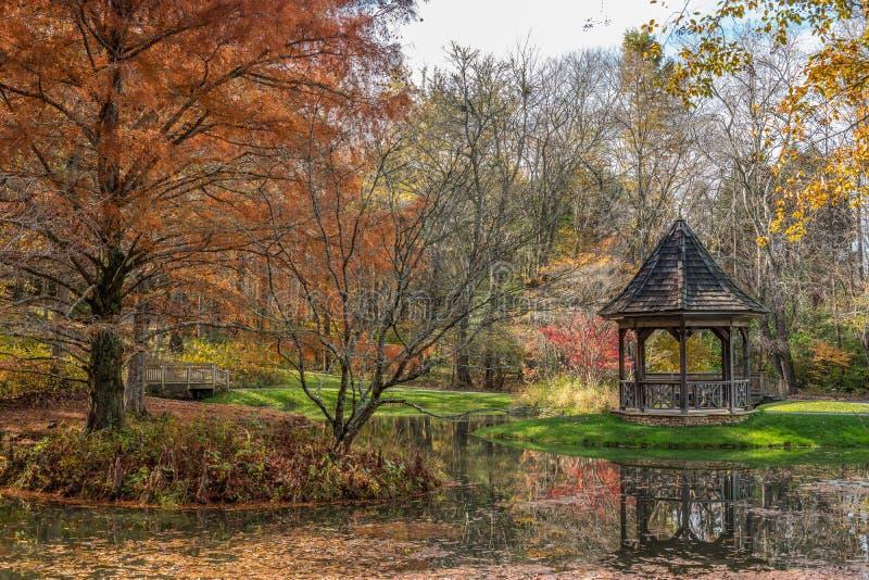 Gibbstuinen, Balgrond, Georgië de V.S. 11/16/2018 in de herfst stock afbeelding
