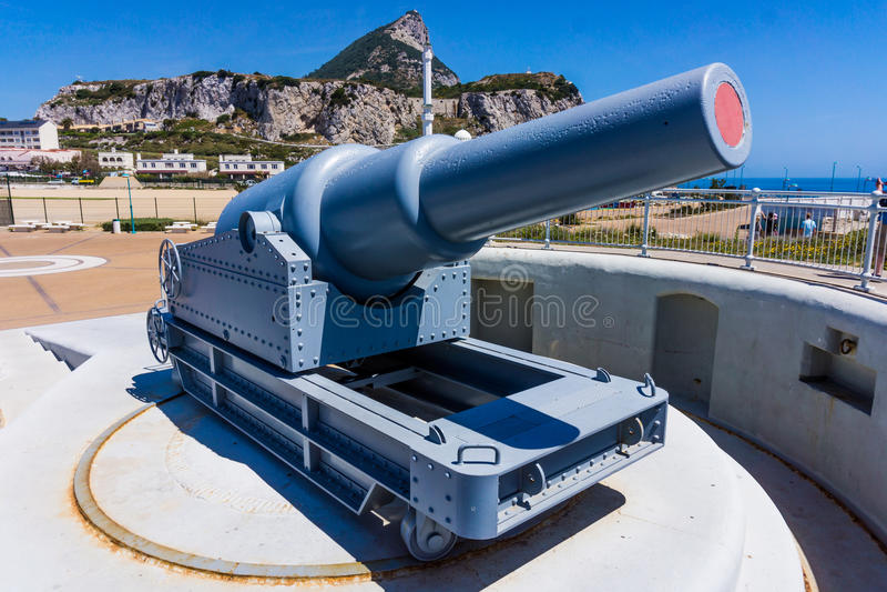 gibraltar Ausstellungsgewehre in Gibraltar Regel Britannia Alte Kanone installiert am Europa-Punkt auf Gibraltar stockbild
