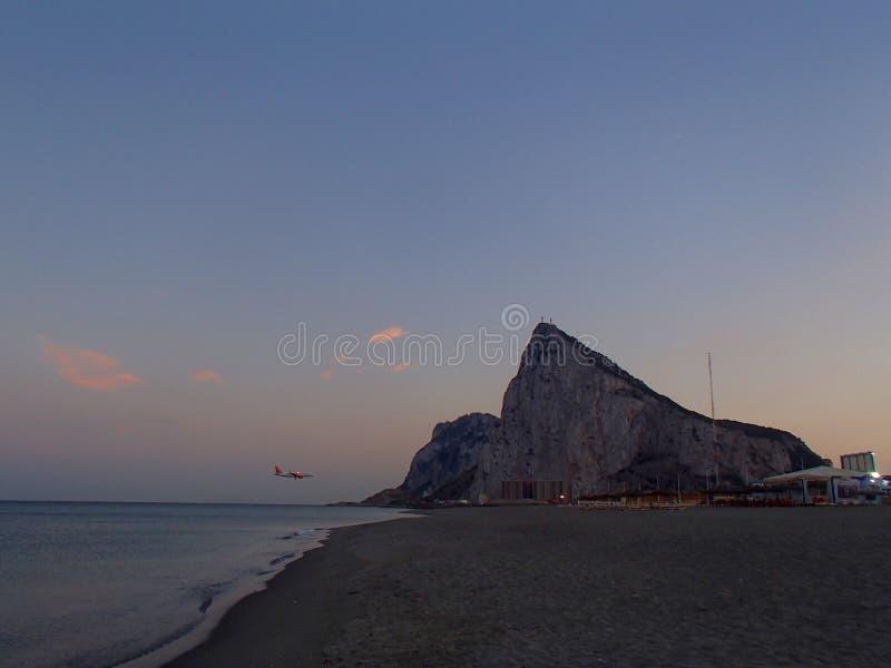 Gibraltar flygplanlandning royaltyfria bilder