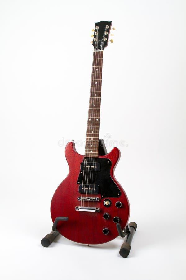 Gibson Les Paul Guitar sul supporto della chitarra immagine stock libera da diritti