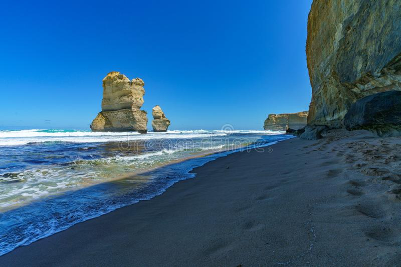 Gibson steps, twelve apostles marine national park, great ocean road, australia 38. Steep coast and monoliths at gibson steps, twelve apostles marine national stock photography