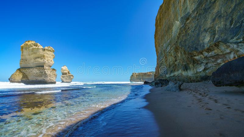 Gibson steps, twelve apostles marine national park, great ocean road, australia 44. Steep coast and monoliths at gibson steps, twelve apostles marine national stock images