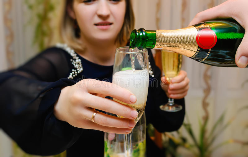 Giet champagne stock foto