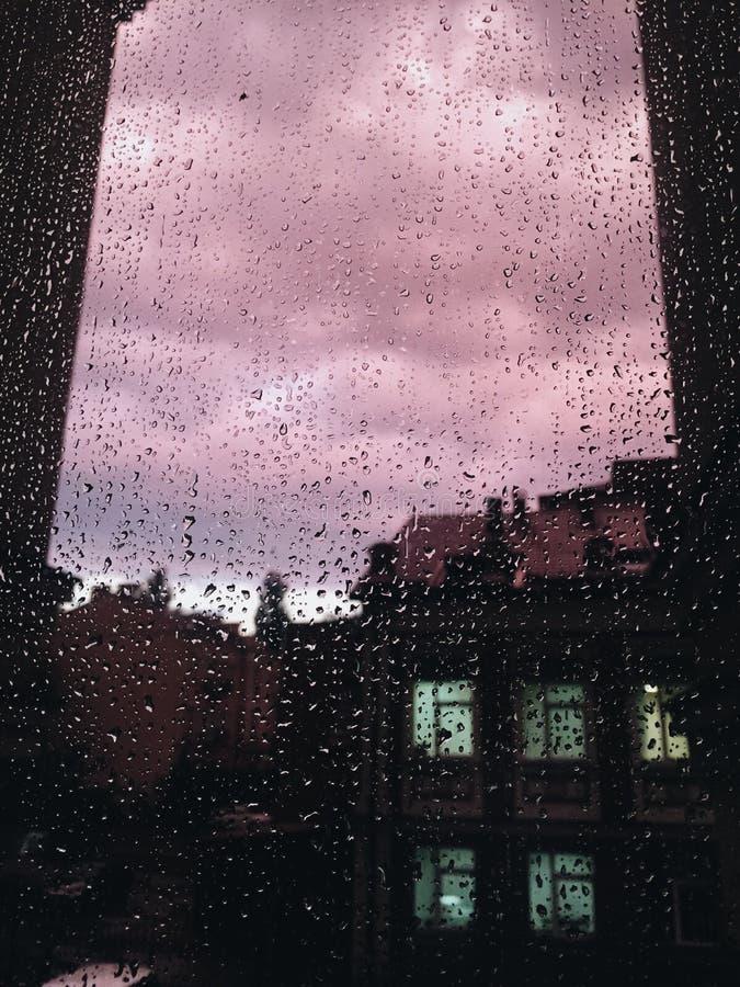Giet Regen stock foto