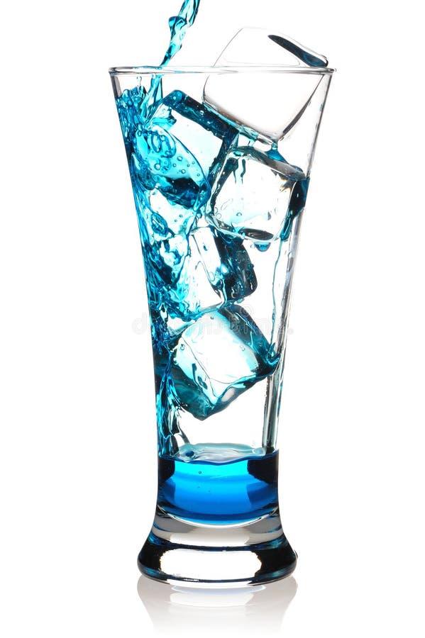 Gietende cocktail stock foto