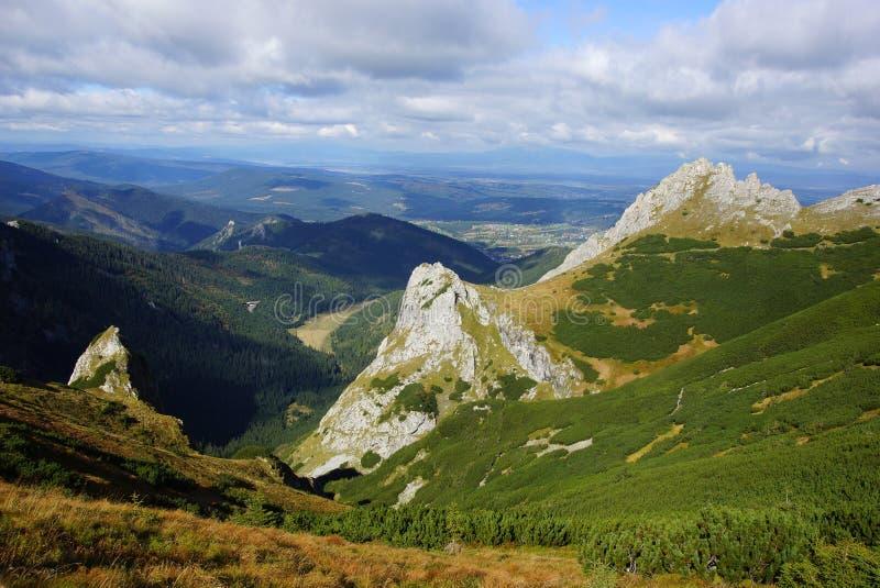 Giewont berg för landskapod Tatras i Polen royaltyfria foton
