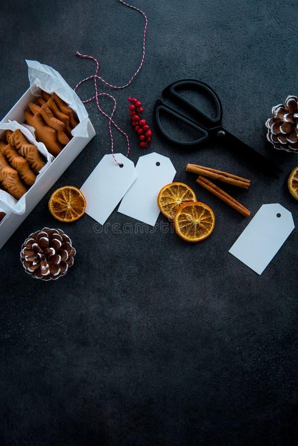 Gift het verpakken van Kerstmiskoekjes royalty-vrije stock foto