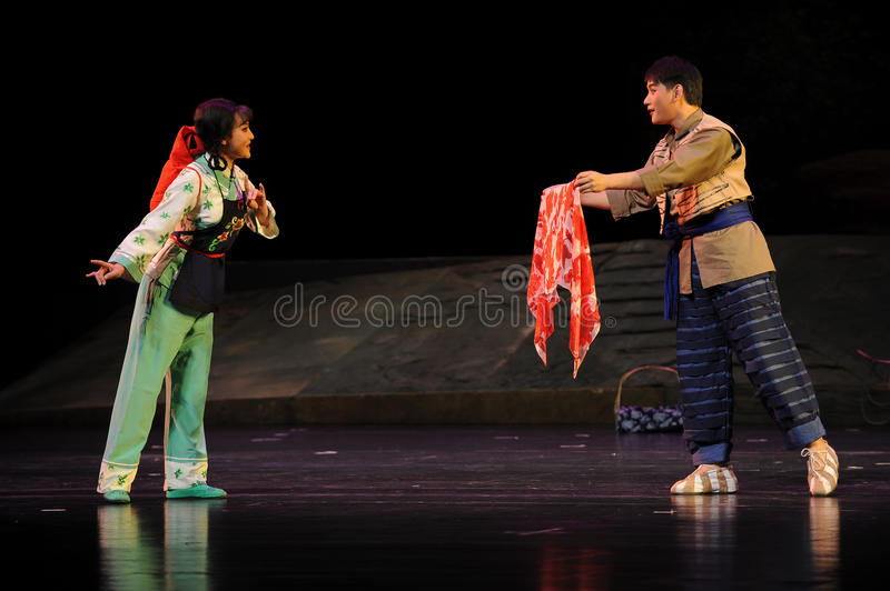 With a gift- Jiangxi opera a steelyard. Jiangxi opera a steelyard is adapted from a true story: the last century fortys, the protagonists father runs an oil mill stock images