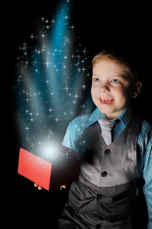 Gift in magische verpakking royalty-vrije stock foto's