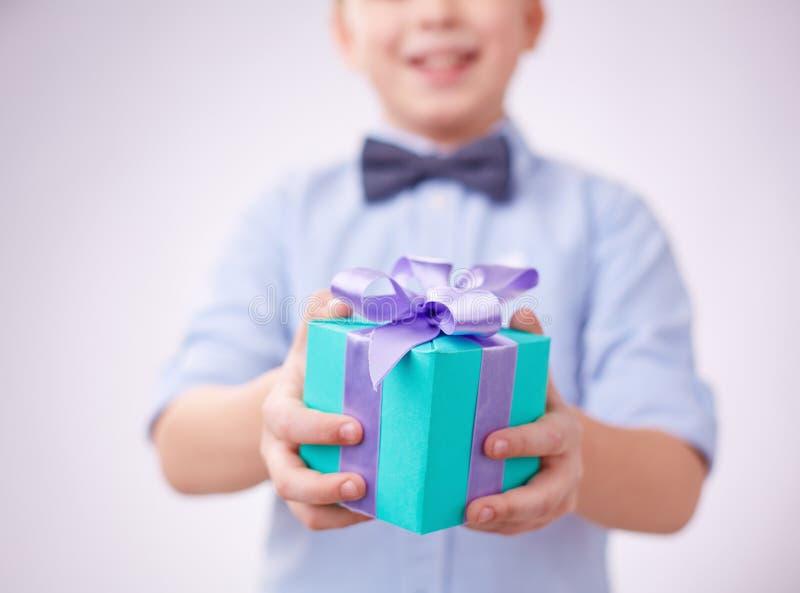 Gift in pakket stock foto's