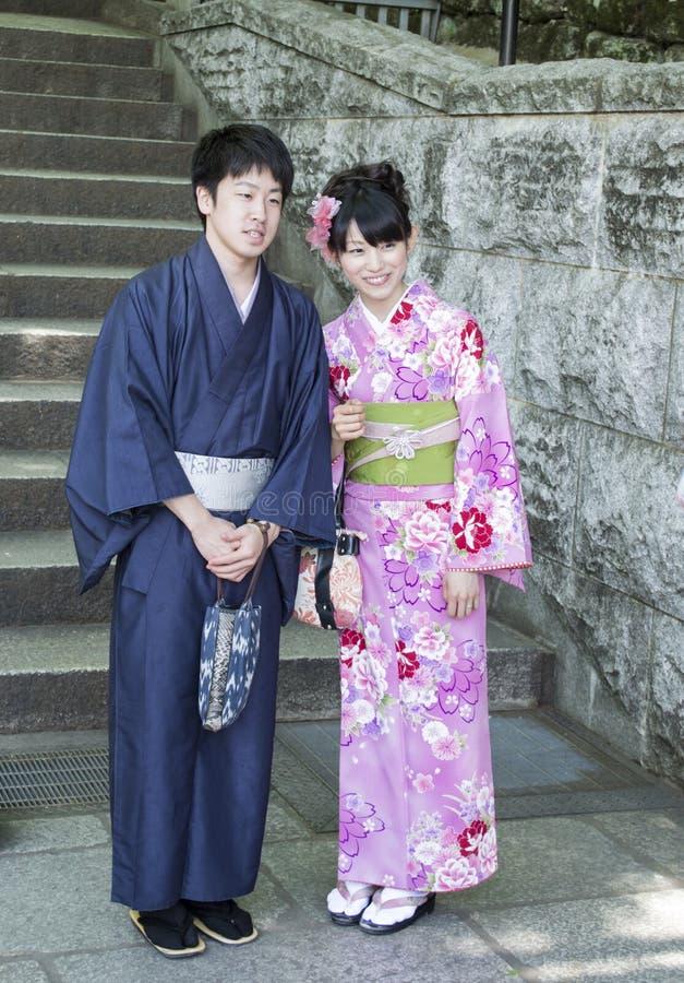 Gifta japanska par arkivfoton