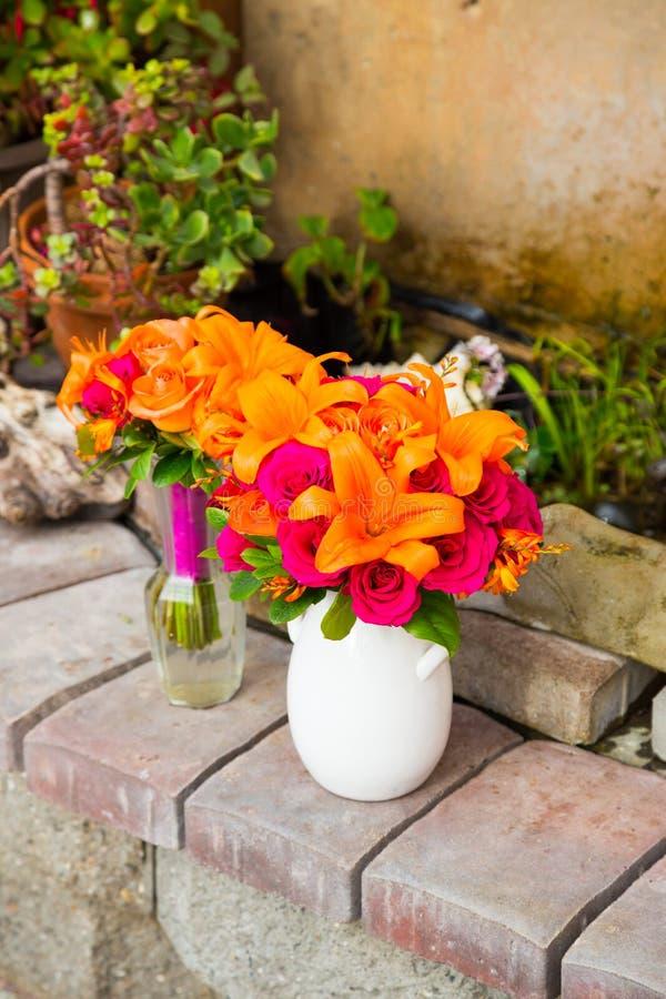 Gifta sig blommadekoren arkivfoton