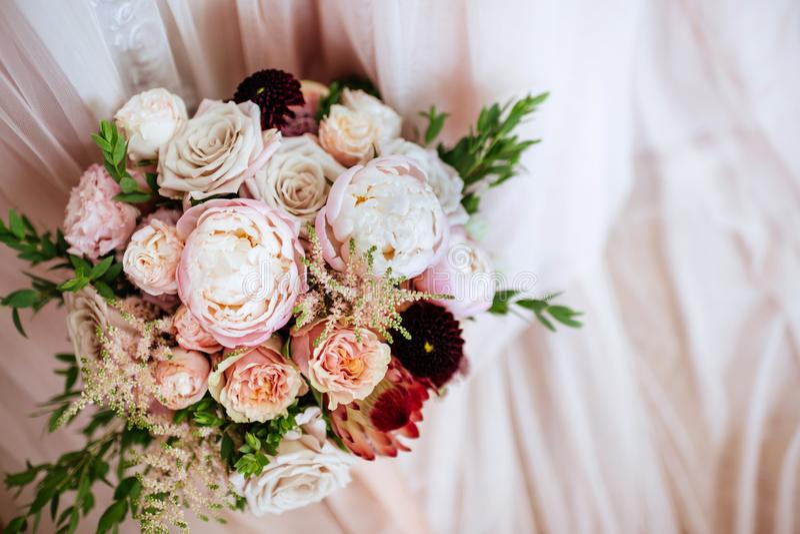 Gifta sig blommor, brud- bukettcloseup royaltyfri foto