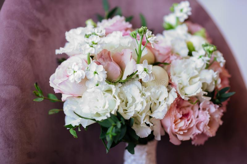 Gifta sig blommor, brud- bukettcloseup royaltyfria bilder