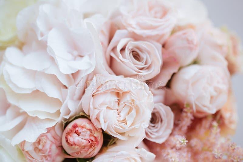 Gifta sig blommor, brud- bukettcloseup arkivbild