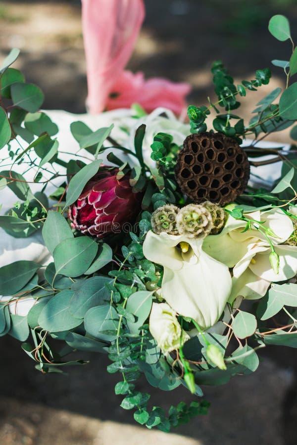 Gifta sig den lantliga buketten royaltyfri fotografi