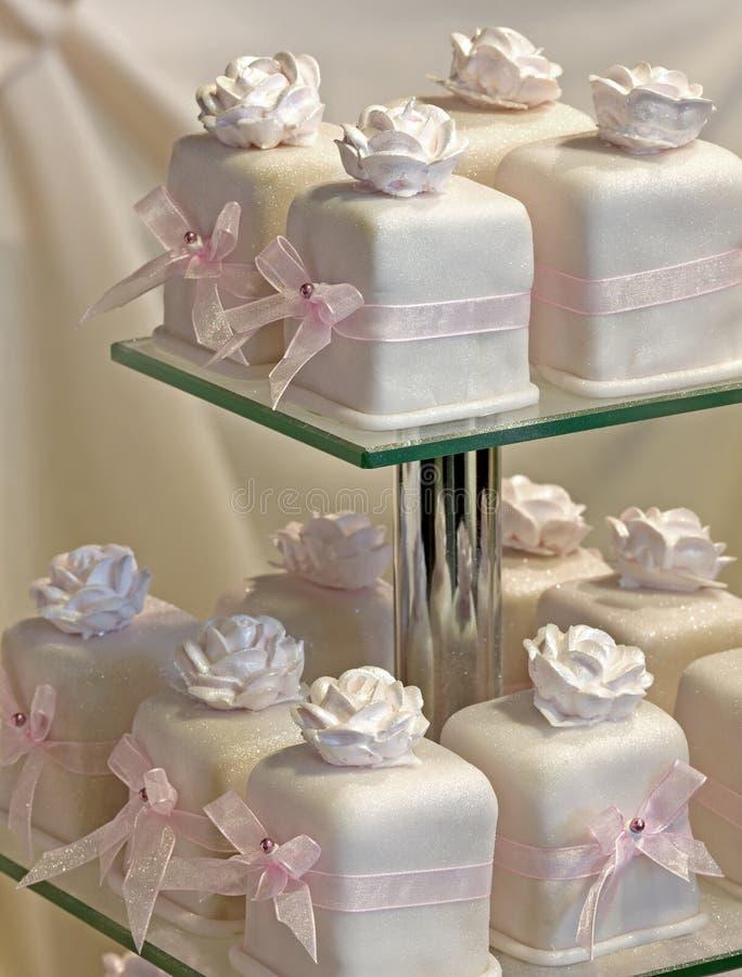 gifta sig för cakes royaltyfri fotografi
