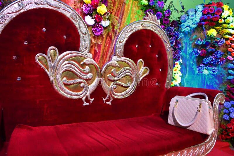 gifta sig inställningen med tappningplatsen royaltyfria bilder
