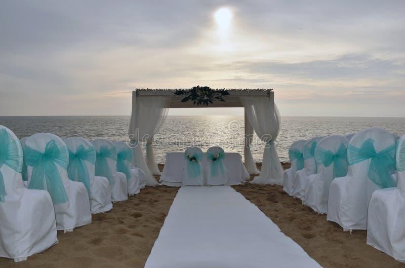 Gifta sig stället på stranden arkivbild
