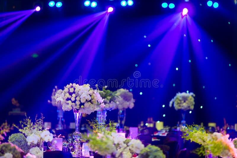 Gifta sig tabellen royaltyfri foto