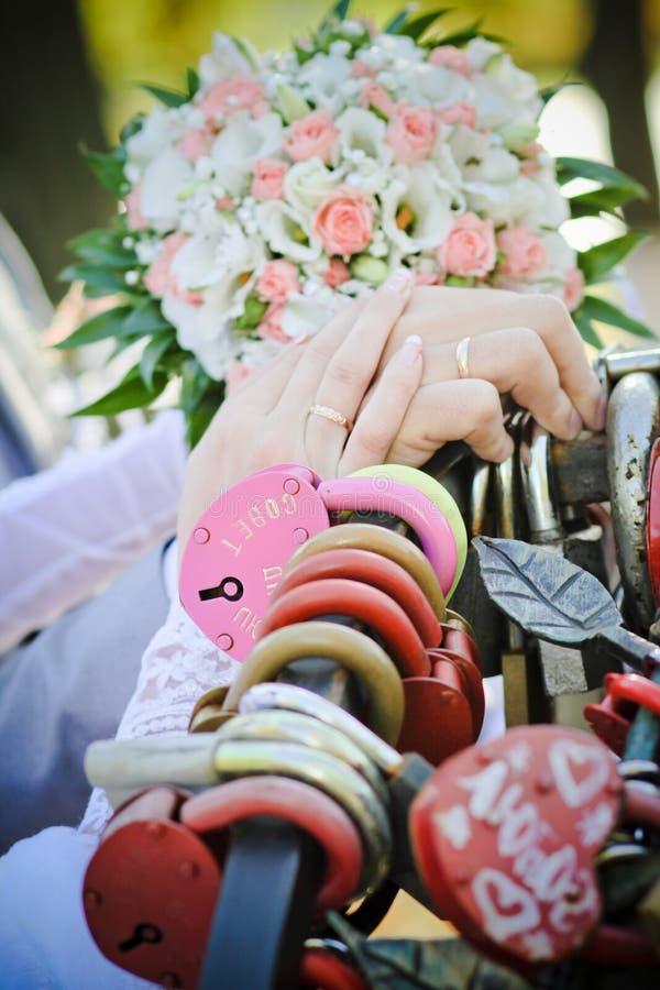 Gifta sig viktig royaltyfria foton