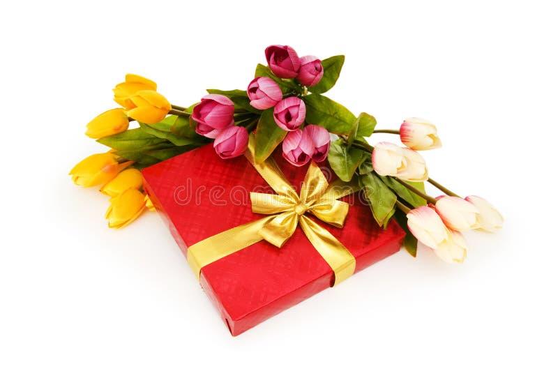 Giftbox和花 免版税库存照片