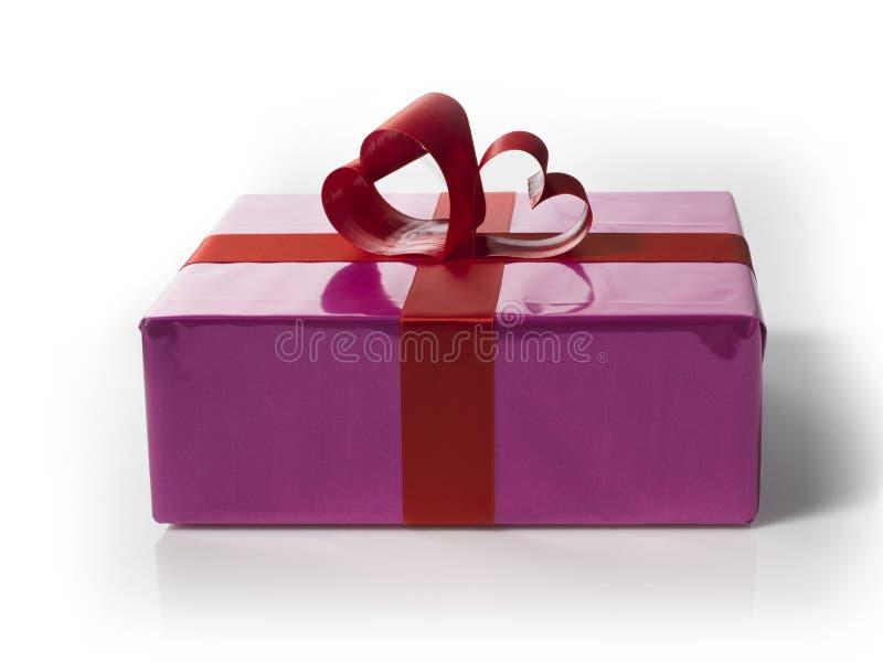 Giftbox с шнурками красного Харта форменными стоковое фото rf