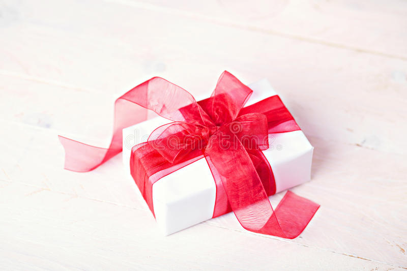 Download Giftbox obraz stock. Obraz złożonej z pakunek, łęk, niespodzianka - 28965167