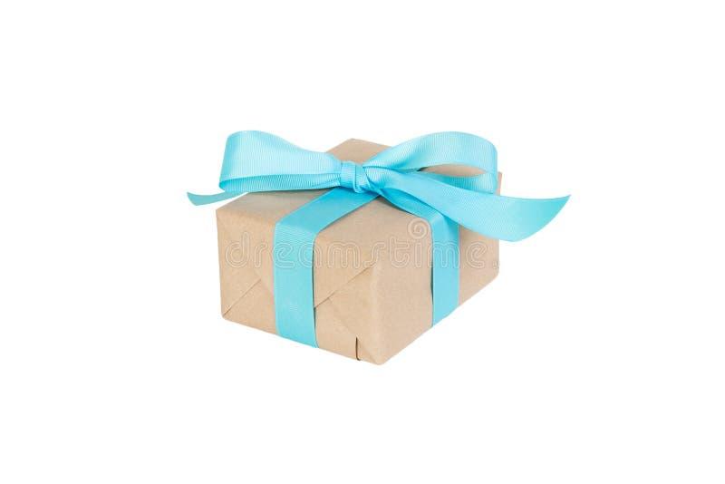 Giftdoos met blauw die lint op witte achtergrond wordt geïsoleerd vakantieconcept u u ontwerpt De mening van het perspectief royalty-vrije stock afbeelding