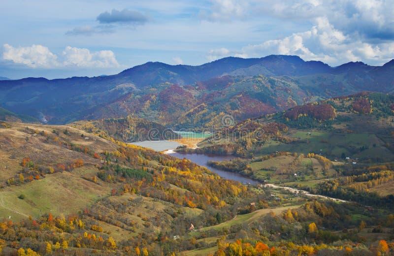 Giftlig avfalls nära Rosia Montana royaltyfri foto