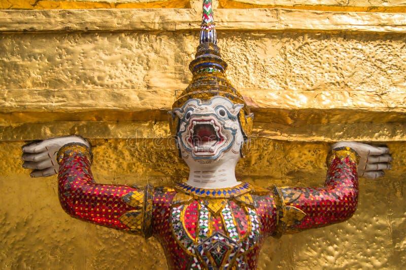 Gigant przy świątynią w Bangkok obraz royalty free